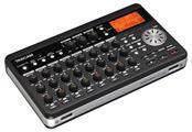 TASCAM Mixer DP-008